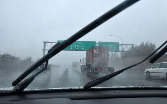5 người thiệt mạng do mưa tuyết ở California - Ảnh 1.