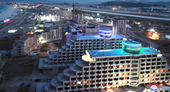 Triều Tiên biến khu bắn tên lửa thành khu nghỉ dưỡng khổng lồ - Ảnh 5.