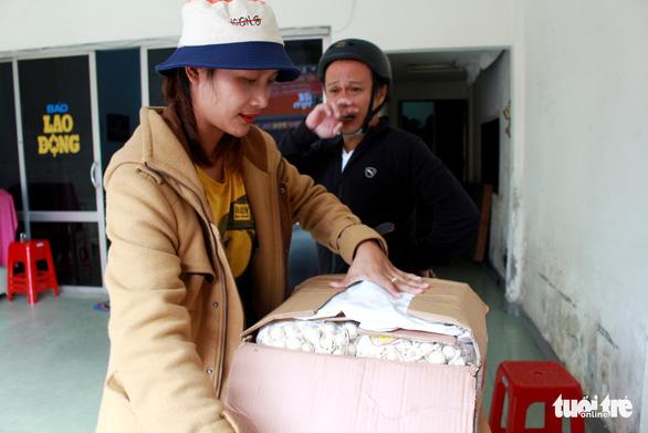 Giải cứu tỏi Lý Sơn với mỗi ký giá 60.000 đồng - Ảnh 2.