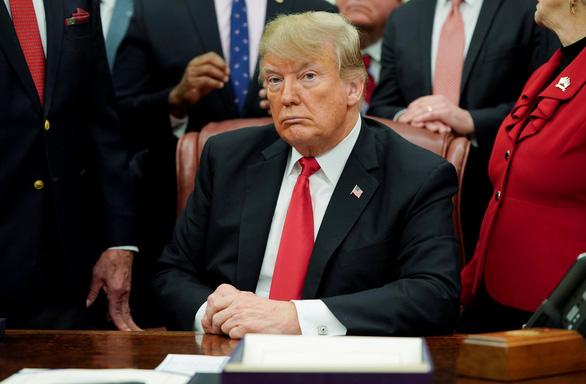 Bức tường bế tắc, ông Trump bất ngờ mời nghị sĩ lưỡng viện đến Nhà Trắng - Ảnh 1.