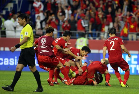Báo chí Thái Lan: Tuyển Việt Nam từ chối dự King's Cup - Ảnh 1.