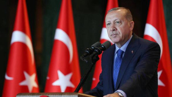Choáng với bầu cử Thổ Nhĩ Kỳ: hơn 1.100 cử tri trong một hộ - Ảnh 1.