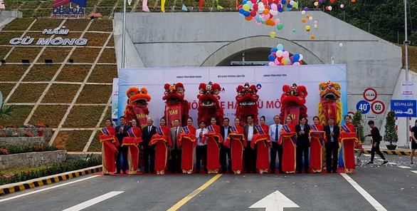 Thông xe hầm đường bộ 4.000 tỉ đồng qua đèo Cù Mông - Ảnh 2.