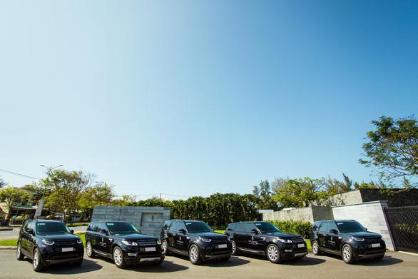 Land Rover Việt Nam bàn giao đội xe cho Four Seasons Resort The Nam Hai - Ảnh 1.