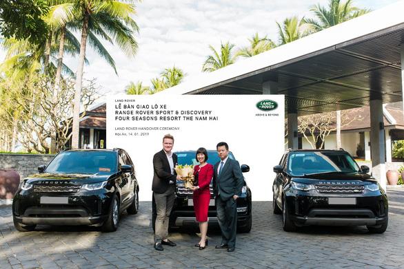 Land Rover Việt Nam bàn giao đội xe cho Four Seasons Resort The Nam Hai - Ảnh 3.