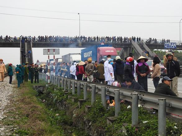 Khởi tố vụ án tai nạn giao thông thảm khốc tại Hải Dương - Ảnh 1.