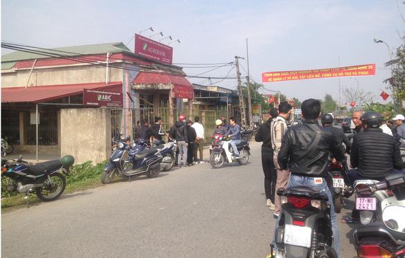 Táo tợn cướp Ngân hàng Agribank tại Thái Bình giữa ban ngày - Ảnh 1.