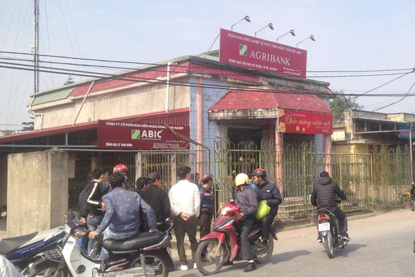Táo tợn cướp Ngân hàng Agribank tại Thái Bình giữa ban ngày - Ảnh 2.