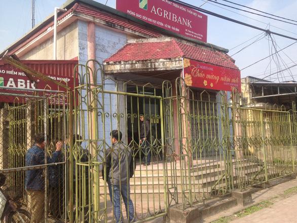 Táo tợn cướp Ngân hàng Agribank tại Thái Bình giữa ban ngày - Ảnh 3.