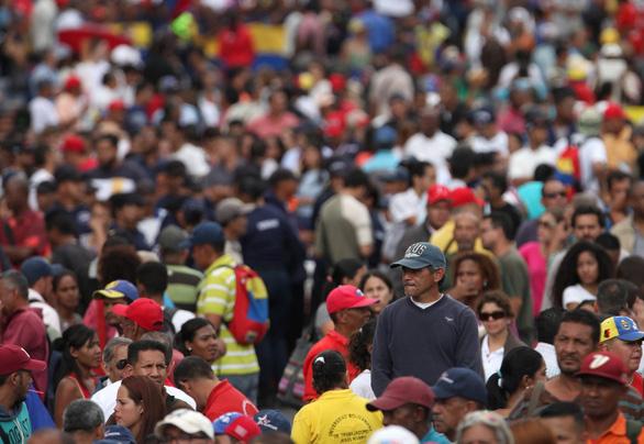 Mỹ công nhận tổng thống lâm thời mới tại Venezuela, biểu tình lan rộng - Ảnh 8.