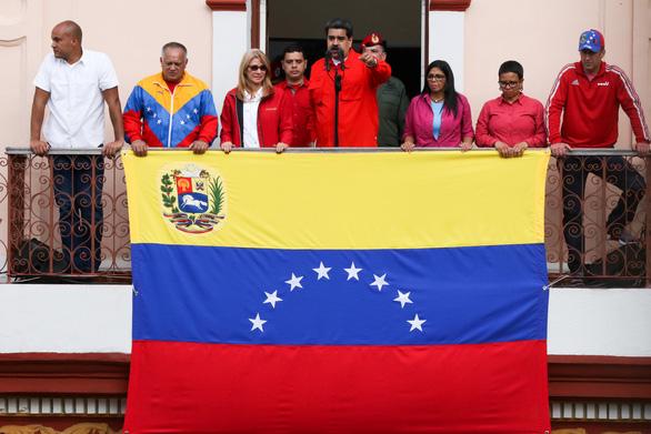 Mỹ công nhận tổng thống lâm thời mới tại Venezuela, biểu tình lan rộng - Ảnh 11.