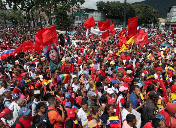 Mỹ công nhận tổng thống lâm thời mới tại Venezuela, biểu tình lan rộng - Ảnh 9.