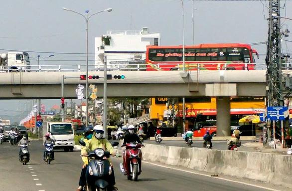 Khánh Hòa thông xe hai cầu vượt trên quốc lộ 1 - Ảnh 2.