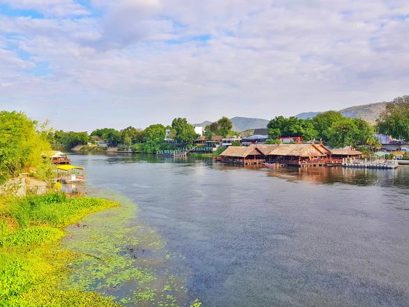 Kanchanaburi thơ mộng bên dòng sông Kwai - Ảnh 3.