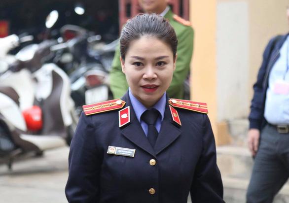 Viện kiểm sát cáo buộc bác sĩ Lương biết nguồn nước bị can thiệp mà không kiểm tra - Ảnh 1.