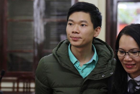 Viện kiểm sát cáo buộc bác sĩ Lương biết nguồn nước bị can thiệp mà không kiểm tra - Ảnh 2.