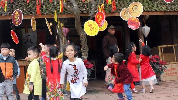 Văn Miếu không còn chim mồi, Bắc Ninh không cấm thưởng tiền quan họ - Ảnh 1.