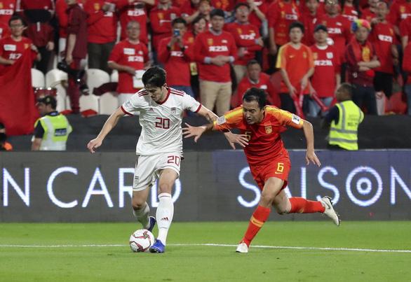 Cầu thủ Trung Quốc nghi bán độ ở Asian Cup 'mất số' ở CLB - Ảnh 1.