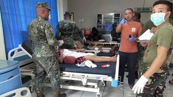 Đánh bom kép ở Philippines: 21 người chết, 71 người bị thương - Ảnh 3.