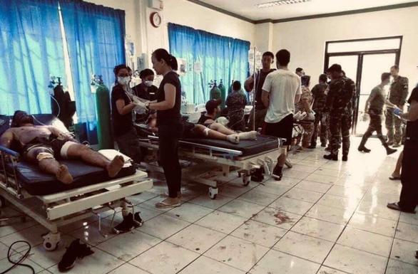 Đánh bom kép ở Philippines: 21 người chết, 71 người bị thương - Ảnh 2.