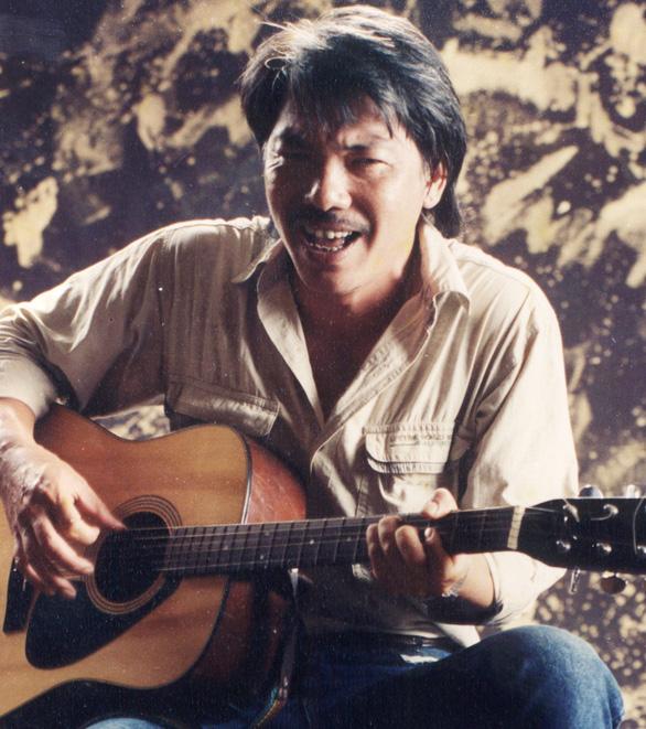 Tống cựu nghinh tân - tản văn của nhạc sĩ Trần Tiến - Ảnh 1.