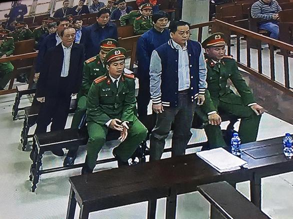 Đang xét xử 2 cựu thứ trưởng vì giúp Vũ nhôm thâu tóm đất công - Ảnh 5.