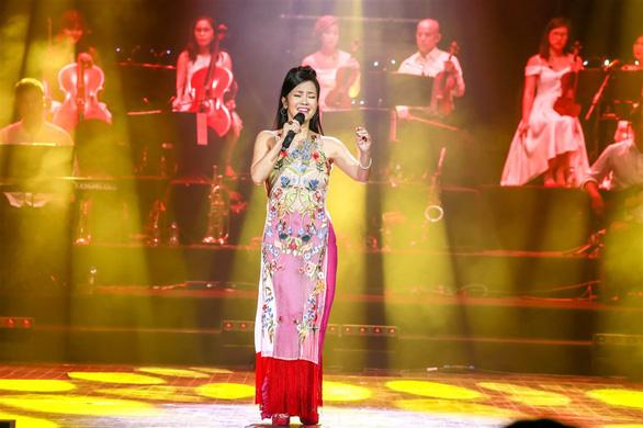 Hồng Nhung, Trọng Tấn, Tùng Dương và Tấn Minh cùng hoài niệm xuân xưa - Ảnh 2.