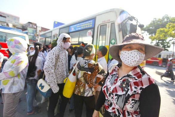 Ô nhiễm không khí ở Hà Nội từ xấu đến nguy hại - Ảnh 2.
