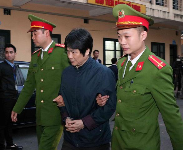 Đang xét xử 2 cựu thứ trưởng vì giúp Vũ nhôm thâu tóm đất công - Ảnh 7.