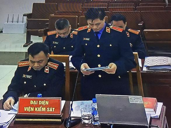 Hai cựu thứ trưởng Bộ Công an bị đề nghị mức án 30 đến 42 tháng tù - Ảnh 1.