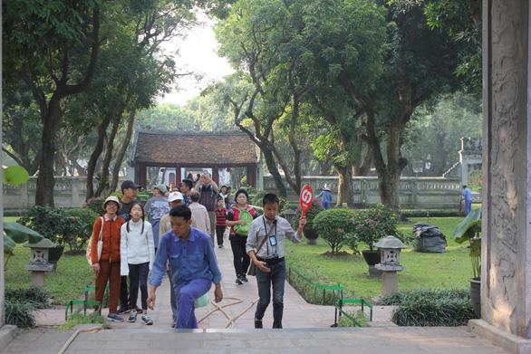 Khách Trung Quốc đến Việt Nam giảm, nhường ngôi đầu cho Hàn Quốc - Ảnh 1.