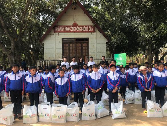 Quỹ Hiểu về trái tim chia sẻ ấm áp với trẻ em người dân tộc Đắk Lắk - Ảnh 1.