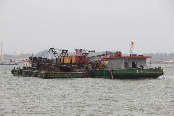 Nhận chìm vật chất ở Quảng Ngãi do tiến độ quá gấp - Ảnh 2.
