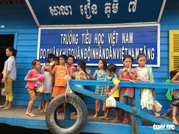Campuchia gia hạn di dời cho người gốc Việt ở Biển Hồ - Ảnh 1.