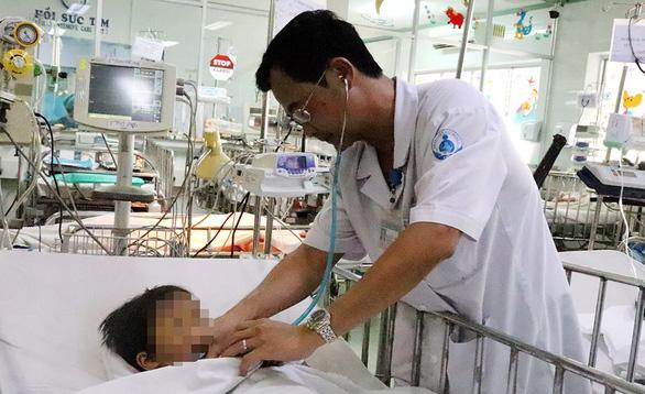 Trẻ liên tiếp nhập viện vì phỏng nước sôi, bình gas ngày giáp tết - Ảnh 1.