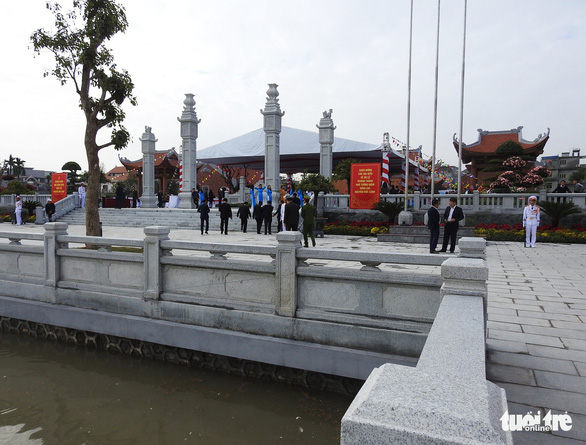 Thủ tướng Nguyễn Xuân Phúc chúc Tết công nhân cảng Hải Phòng - Ảnh 4.