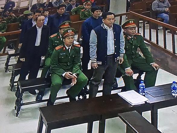 Hai cựu thứ trưởng Công an lãnh 30 và 36 tháng tù - Ảnh 3.