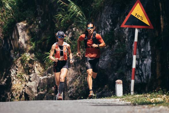 Người Việt đầu tiên chạy 4.500km từ Hà Nội đến Singapore - Ảnh 4.