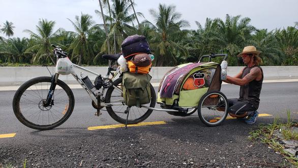 Первый вьетнамец, который пробежал 4500 км из Ханоя в Сингапур