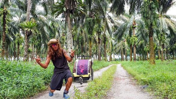Người Việt đầu tiên chạy 4.500km từ Hà Nội đến Singapore - Ảnh 10.