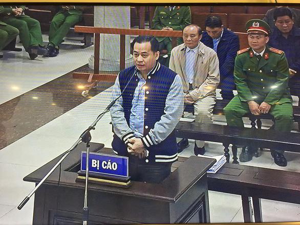 Cựu thứ trưởng Bùi Văn Thành: Tôi thành thật xin lỗi Đảng, Nhà nước, nhân dân - Ảnh 1.