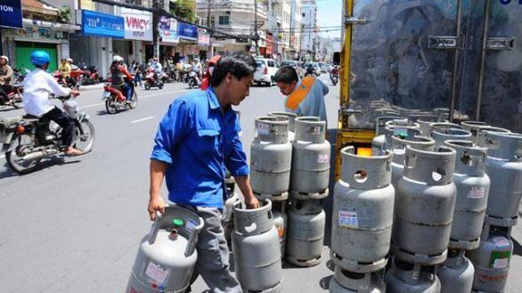 Giá gas giảm thêm 19.000 đồng - Ảnh 1.