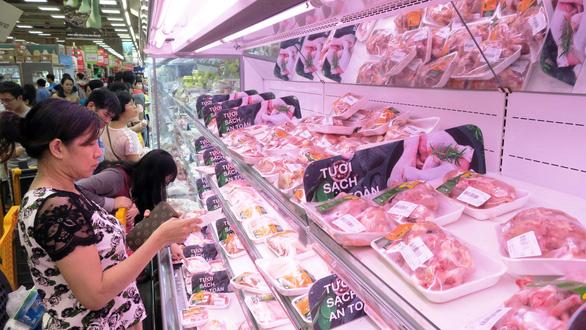 Dân e ngại thịt ngoài chợ, thịt mát lên ngôi dịp tết - Ảnh 1.