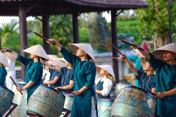 Trẩy hội năm châu, chơi xuân rước lộc tại Vinpearl Land - Ảnh 4.