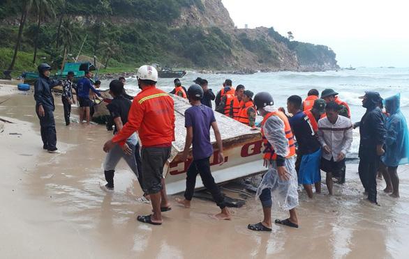 Nhiều tàu trú bão ở đảo Thổ Châu và Nam Du bị sóng đánh chìm - Ảnh 1.