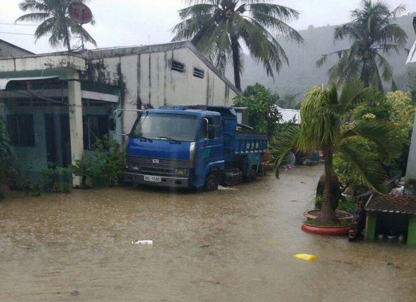 Mưa lớn, đảo Thổ Châu có nơi ngập sâu cả mét - Ảnh 1. mưa lớn, đảo thổ châu có nơi ngập sâu cả mét - dao-tho-chau-bi-ngap-15465910380581806161013 - Mưa lớn, đảo Thổ Châu có nơi ngập sâu cả mét