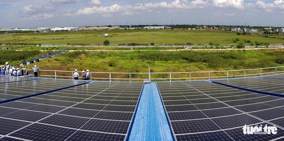 Một công ty đầu tư 7 triệu USD lắp mái nhà xưởng điện mặt trời - Ảnh 2.