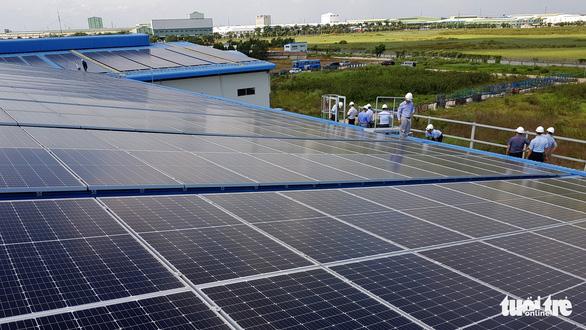 Một công ty đầu tư 7 triệu USD lắp mái nhà xưởng điện mặt trời - Ảnh 1.