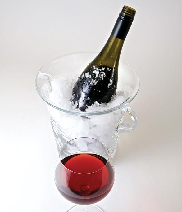 Vang trắng ướp lạnh thì ngon, sangria uống đá chuẩn vui tiệc tùng - Ảnh 1.