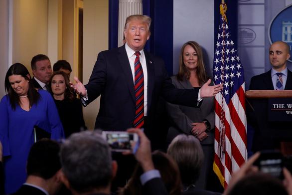 Ông Trump nói phe Dân chủ sợ thua nên muốn luận tội ông - Ảnh 1.